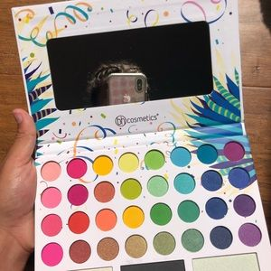 Take Me back to Brazil Pallet BH cosmetics